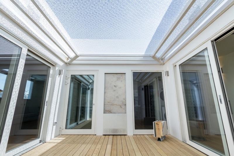 i-Mesh è una nuova invenzione nel mercato delle costruzioni e del design: un tessuto tecnico, sostenibile, leggero, durevole e completamente personalizzabile.