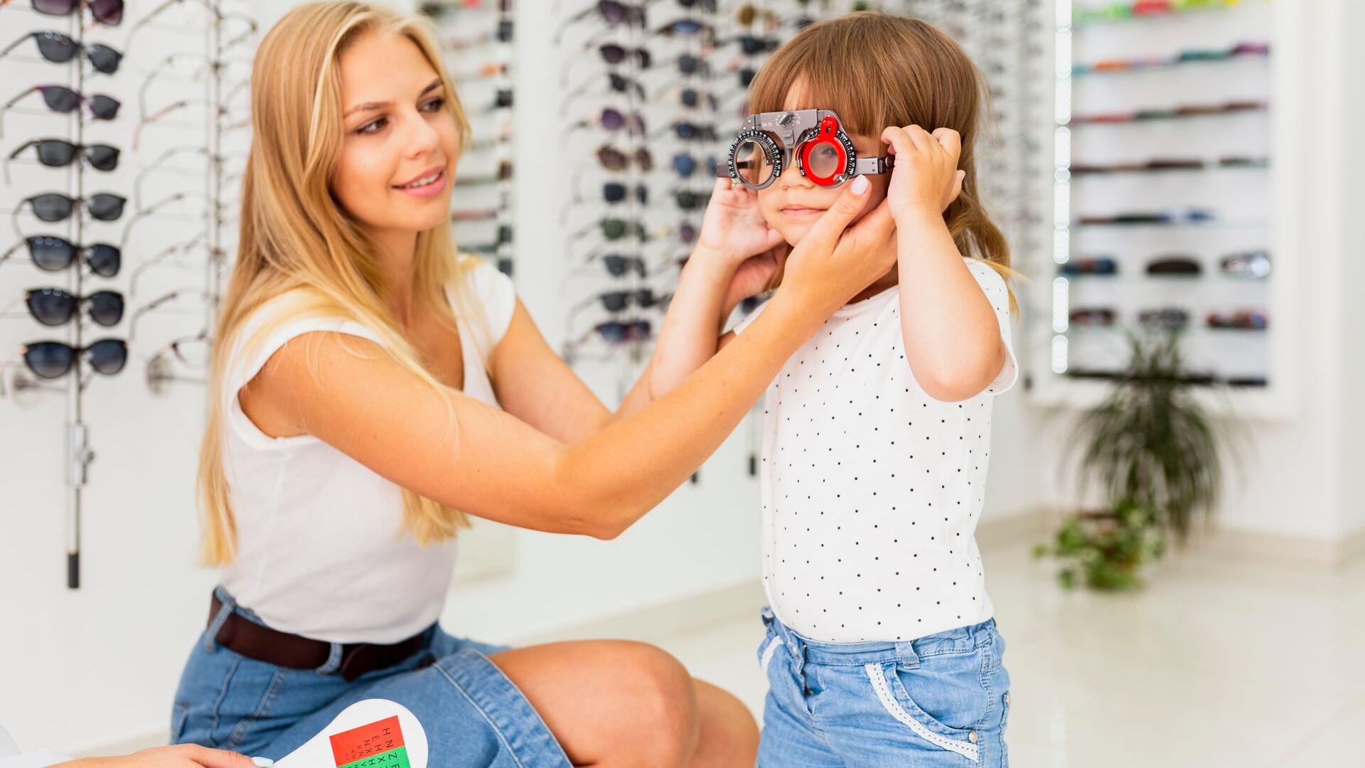 Primul consult oftalmologic la copii