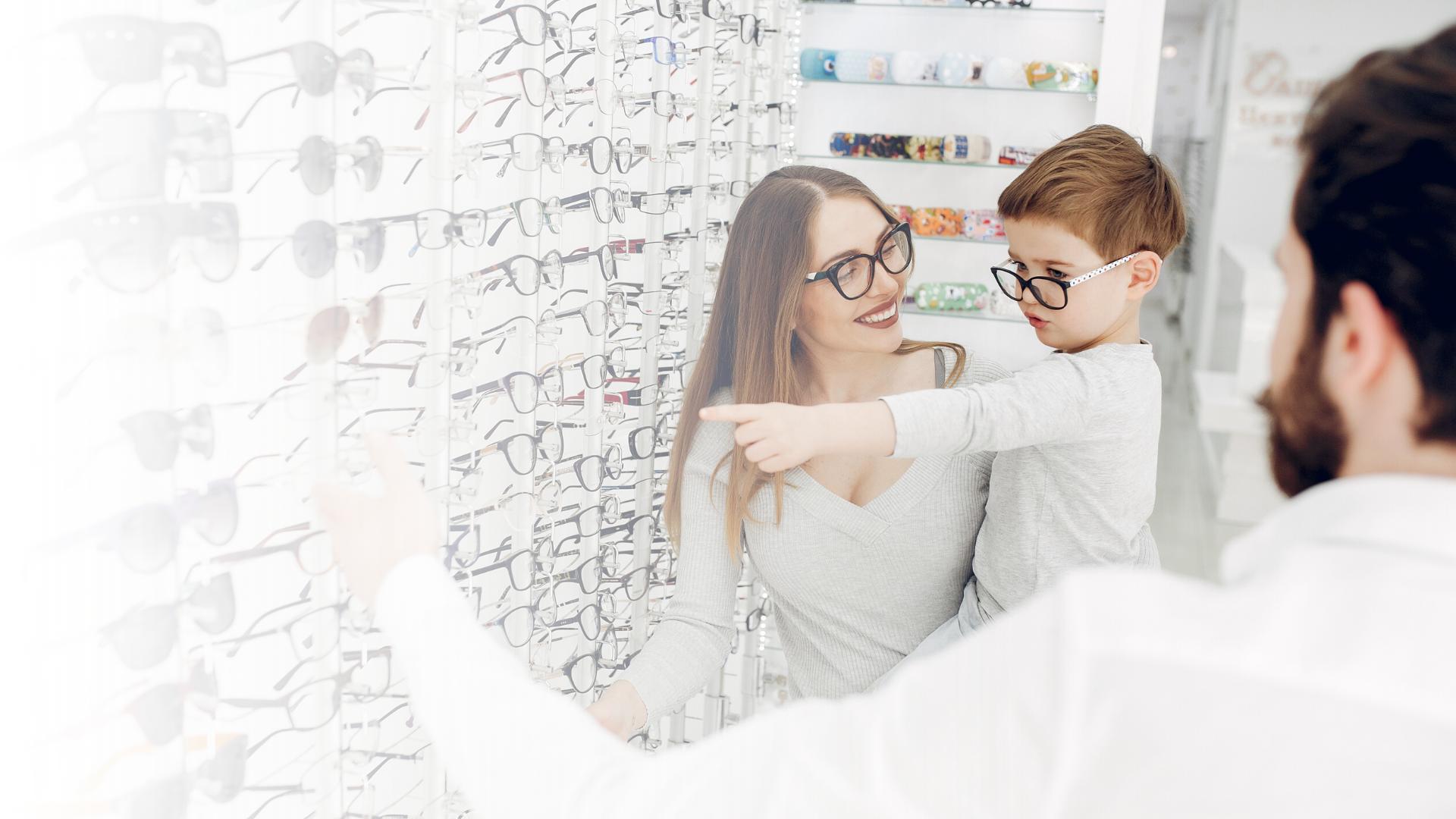 Cum aleg ramele de ochelari pentru copilul meu?
