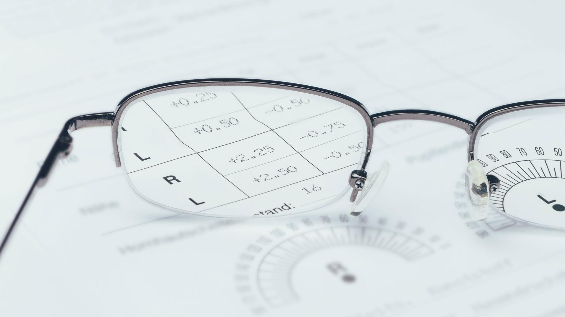 Cum sa-ti cumperi online ochelarii de vedere