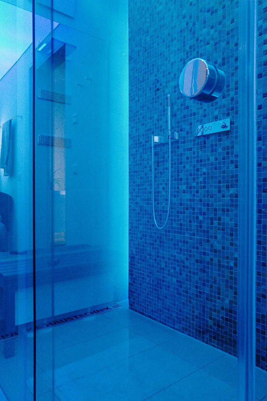 Smart Home Projekt (KNX, Lichtszenen, Multiroom) – Das smarte Badezimmer