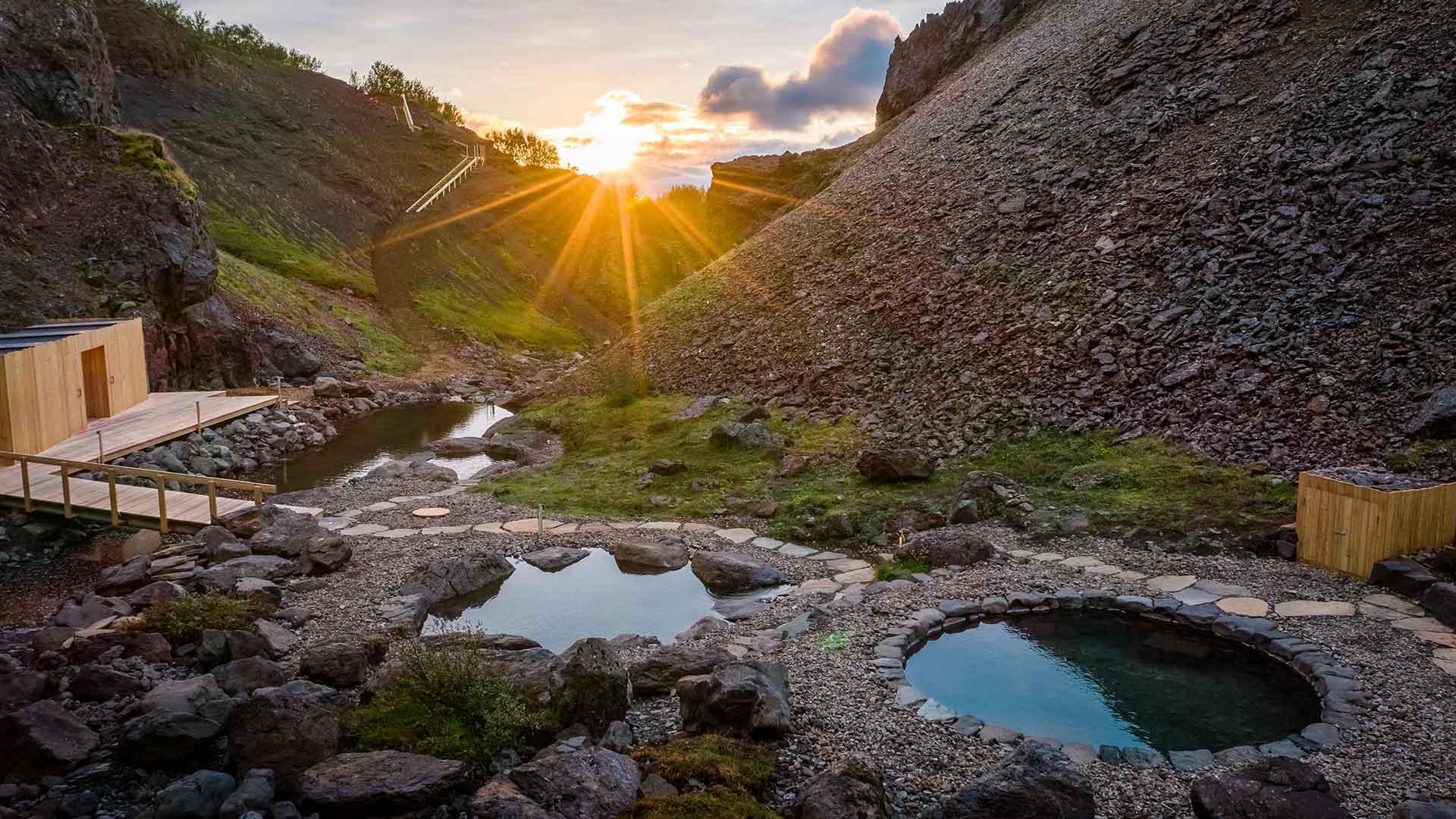 Geothermal Baths in Unusual Landscape opening