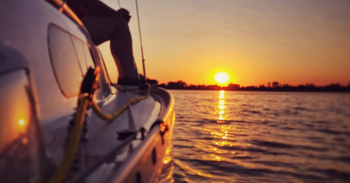 Best Solar Panels For Sailboats | Life of Sailing