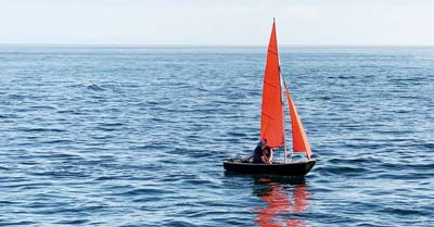 10 Best Small Sailboats Under 20 Feet | Life of Sailing