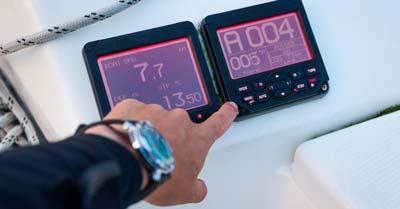 7 Best Sailboat Autopilots | Life of Sailing