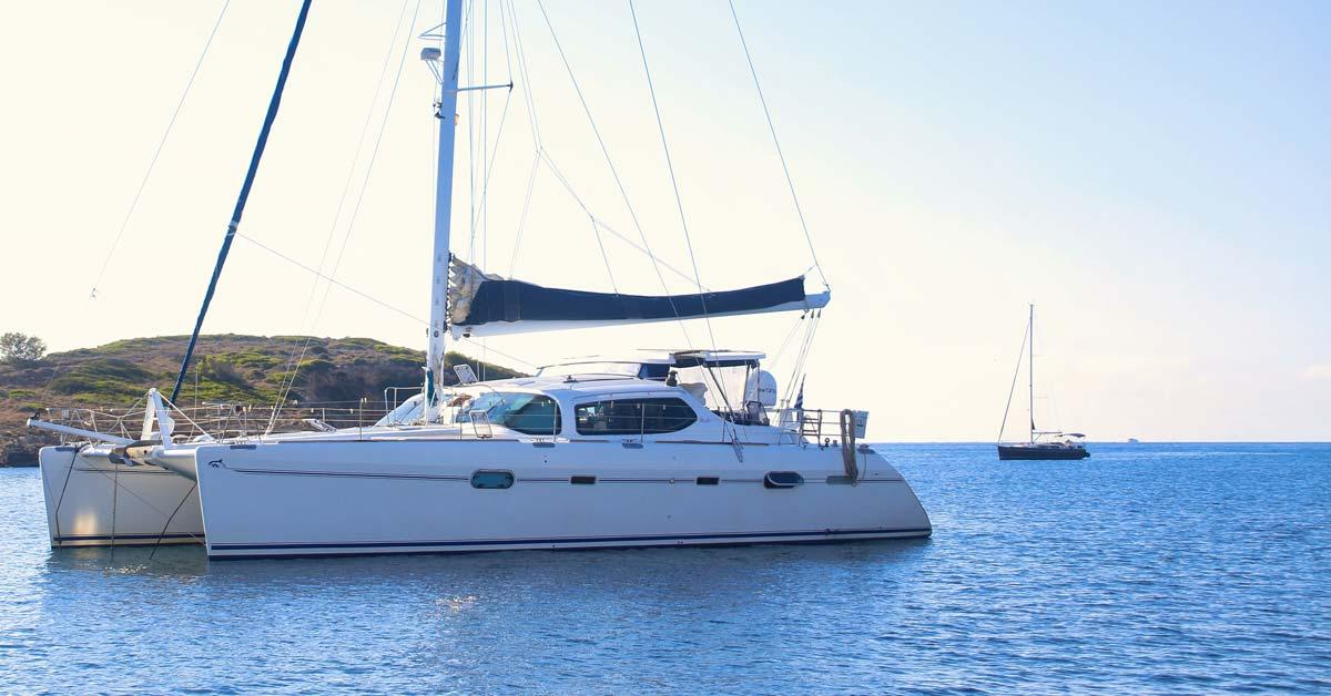 Catamaran vs. Monohull Sailboats | Life of Sailing
