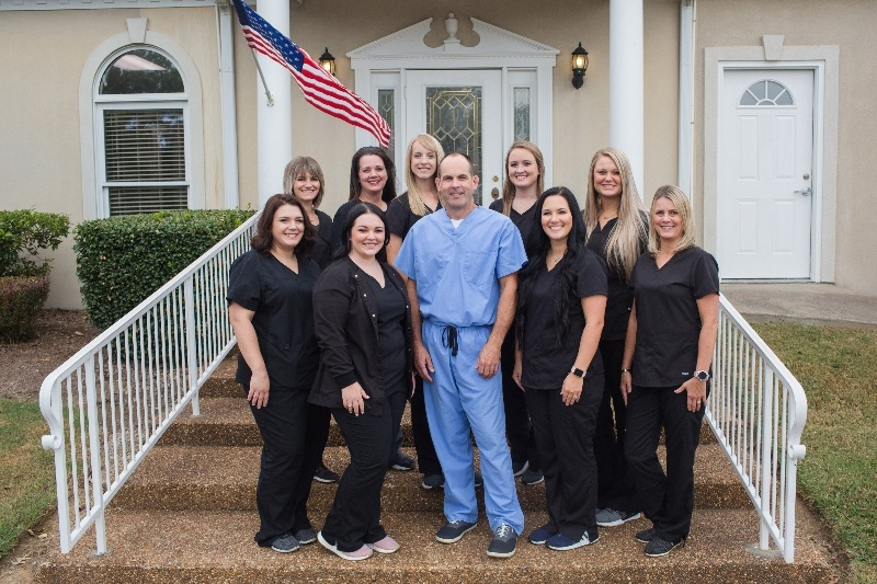 Dr. Kirk and team at Tennessee Implant and Oral Surgery