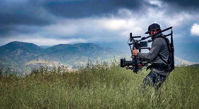 @cowboycameraman enjoying some overcast days  shooting in the hills. We always appreciate seeing and sharing BTS from our clients. Don't forget to Tag / DM us! 🤙🏽🙌🏼