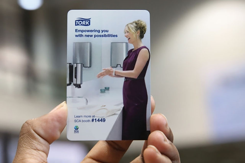 OOH advertising with hotel key cards