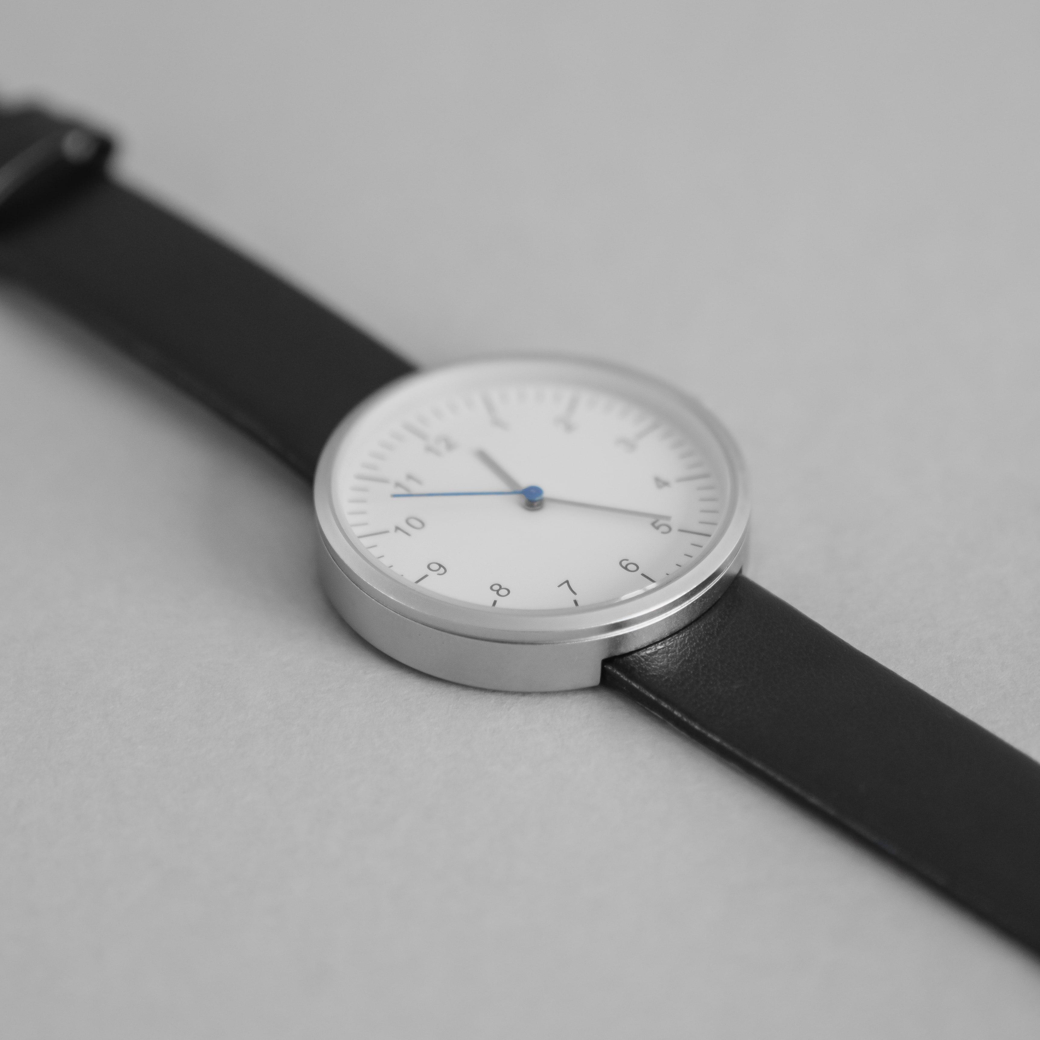 Simple Form — Black Leather