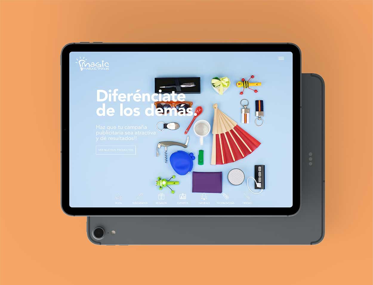 Diseño de sitio web azul en ipad con fotografía de producto para una empresa de marketing en Murcia.