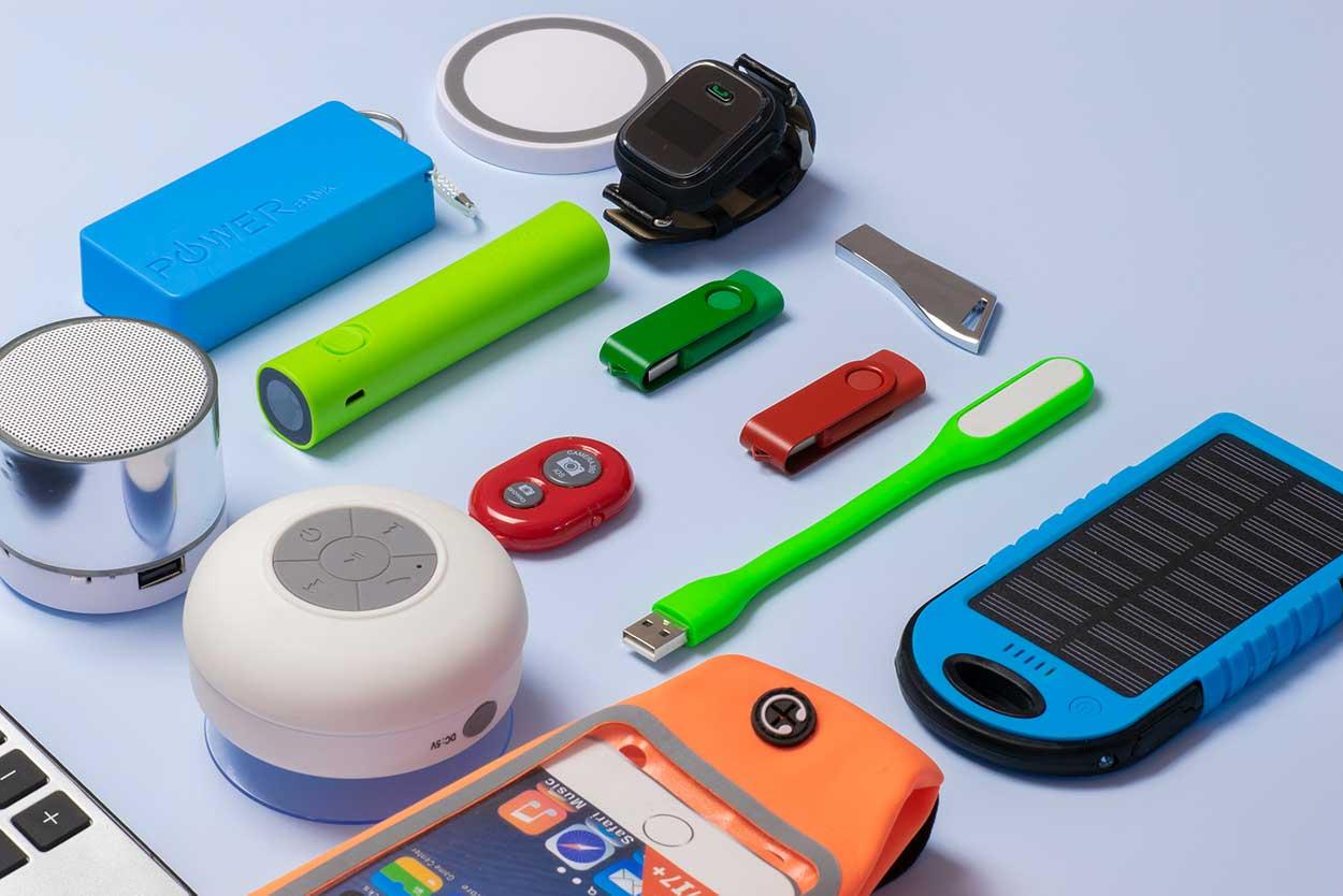 sesión de fotos de productos tecnológicos con fondo azul