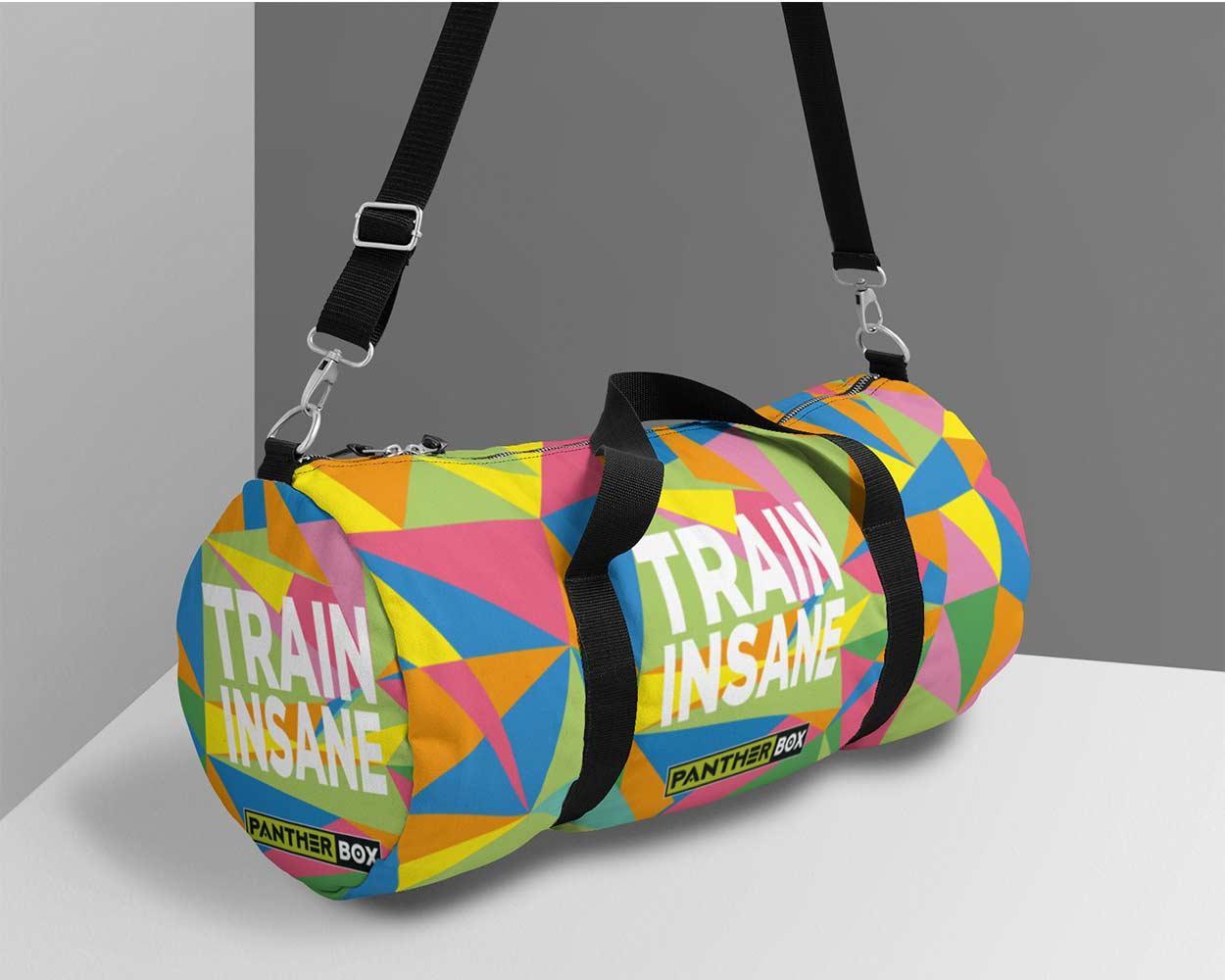 Diseño de bolsa deportiva de colores brillantes.