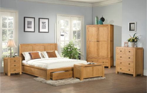 Devonshire Pine - Bedroom - Davenport