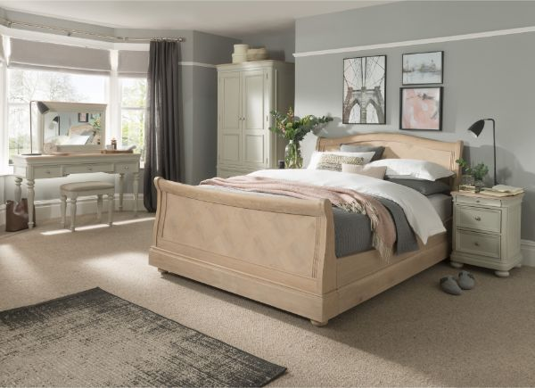 Fortune Woods - PICKERING OAK - Bedroom