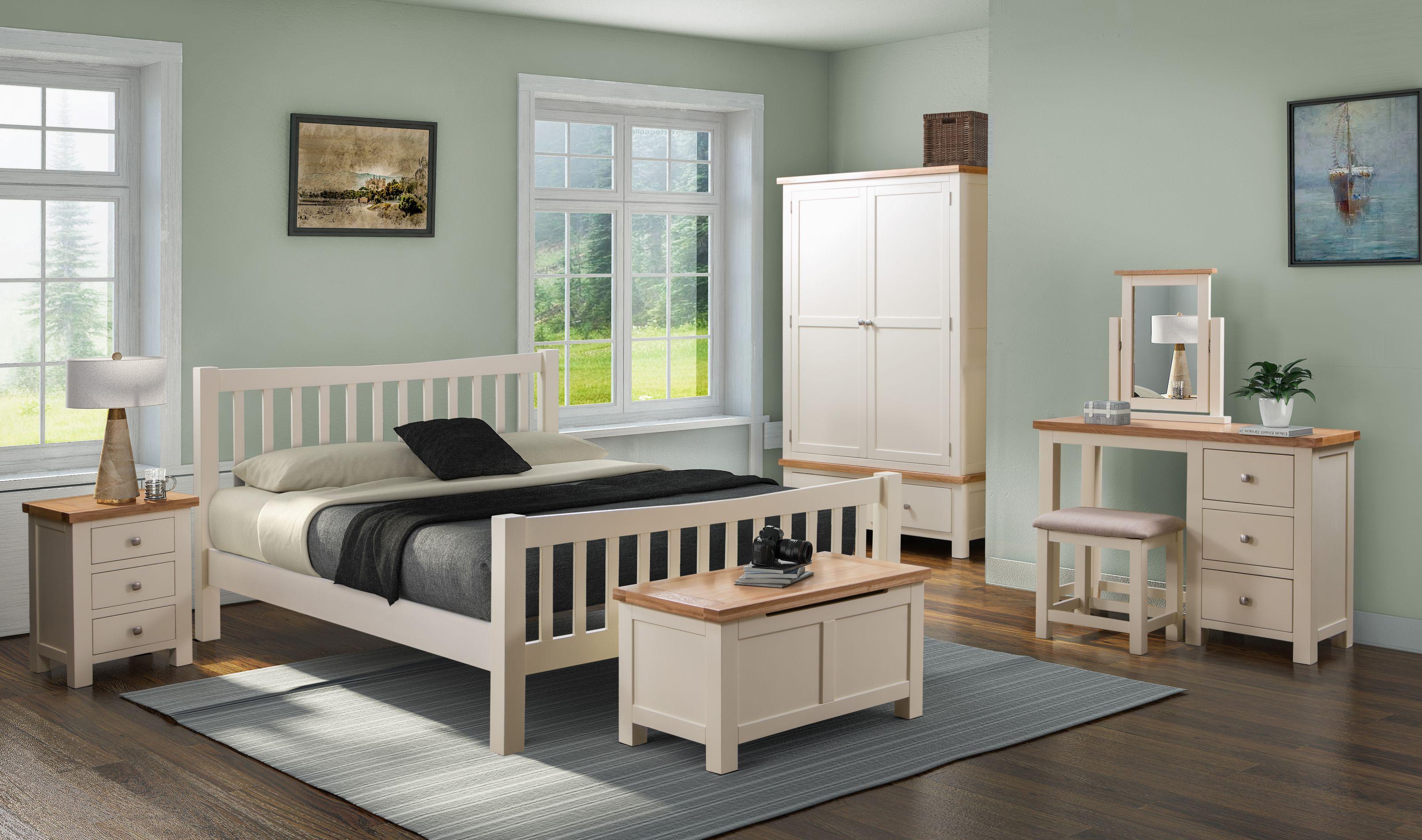 Devonshire Pine - DORCHESTER PAINTED - Bedroom