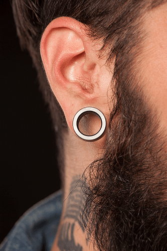 Large-format earrings can stretch the elasticity of the ear and can be hard to repair.