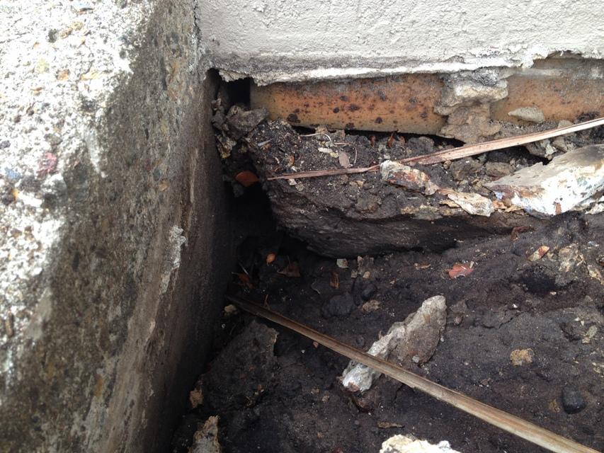 Revetment wall subsidence