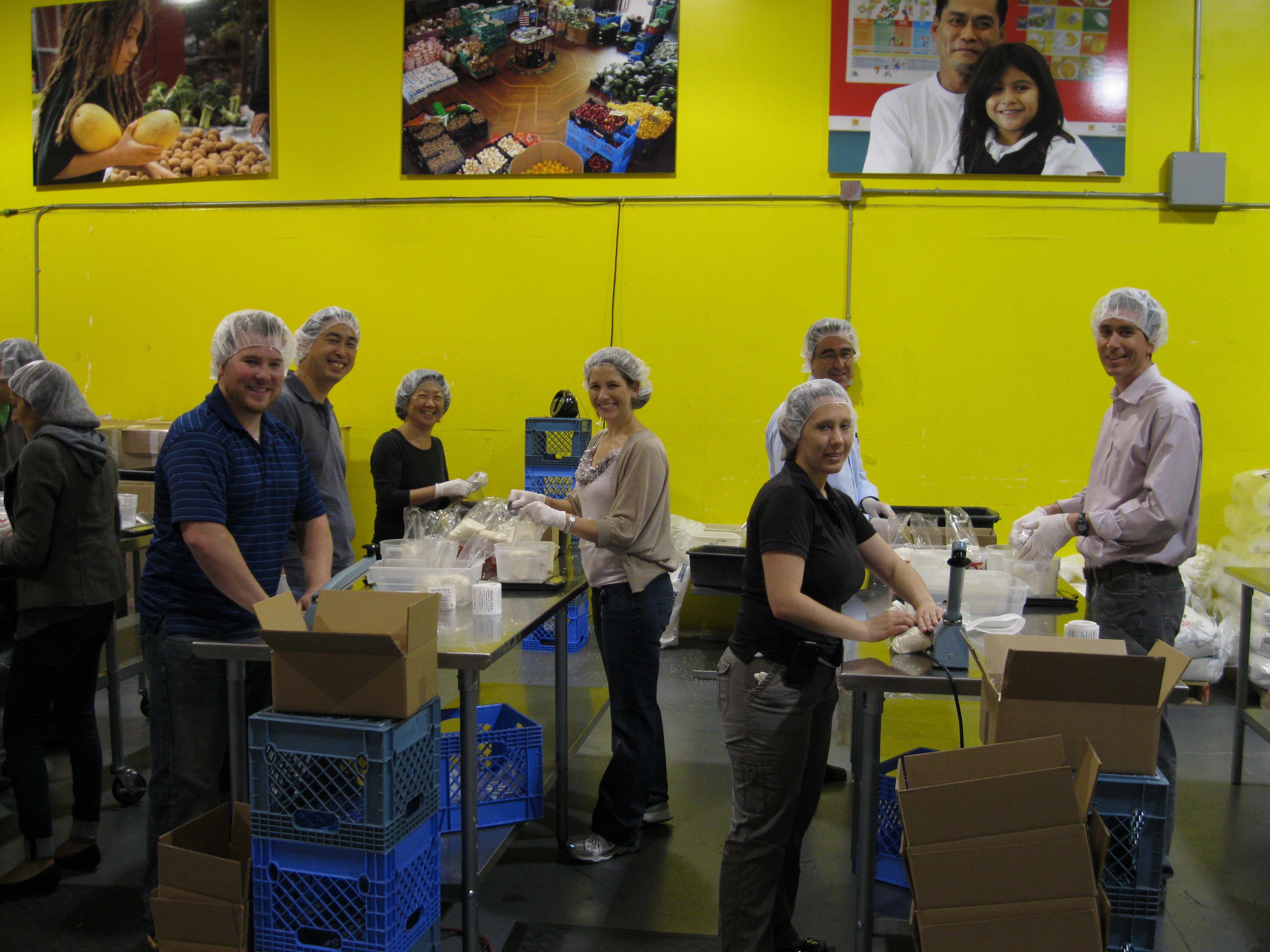 On August 24, several members of the University of California San Francisco (UCSF) Neurosciences Building Project Team participated in a community service event benefitting the San Francisco Food Bank.