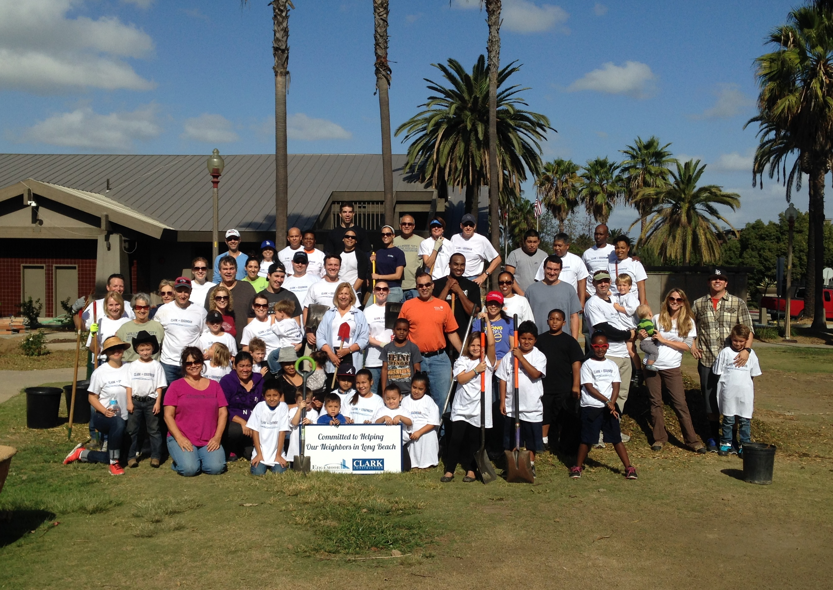 On November 16, Edgemoor and Clark Construction teamed up with our neighbors in Long Beach, California for a worthwhile cause.
