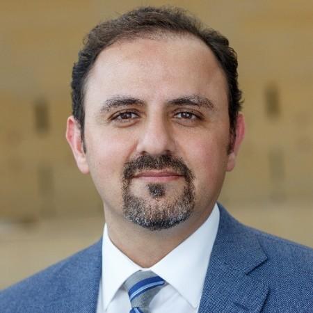 Miguel Cabral Headshot