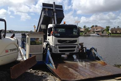 icebreaker-barge-truck-logisitcs