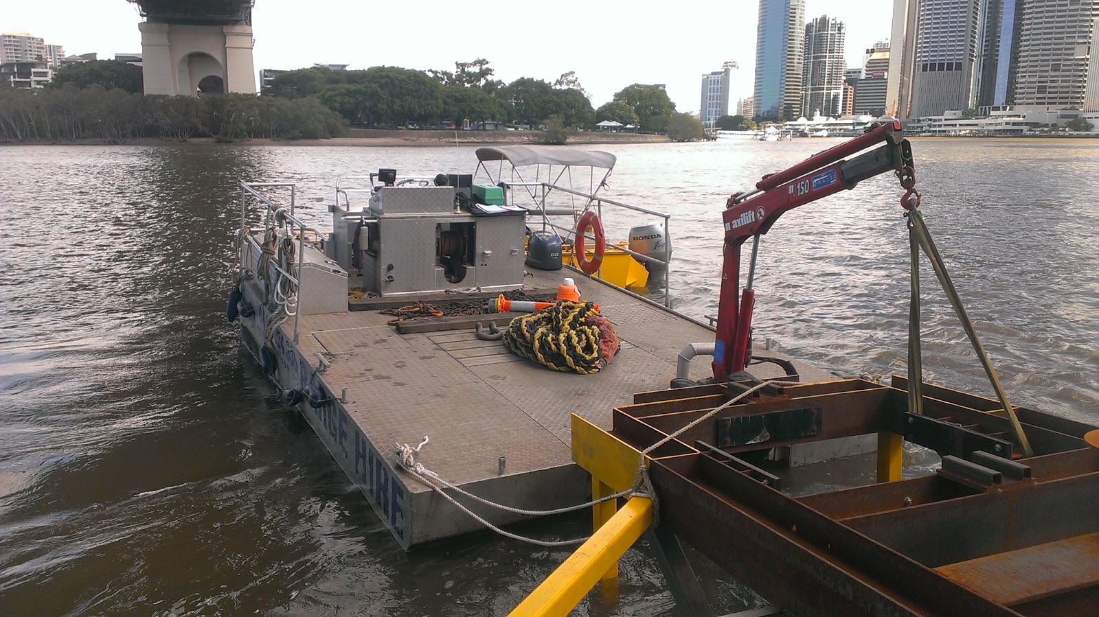 work barge hire, hire work punt, flat deck barge, barge hire