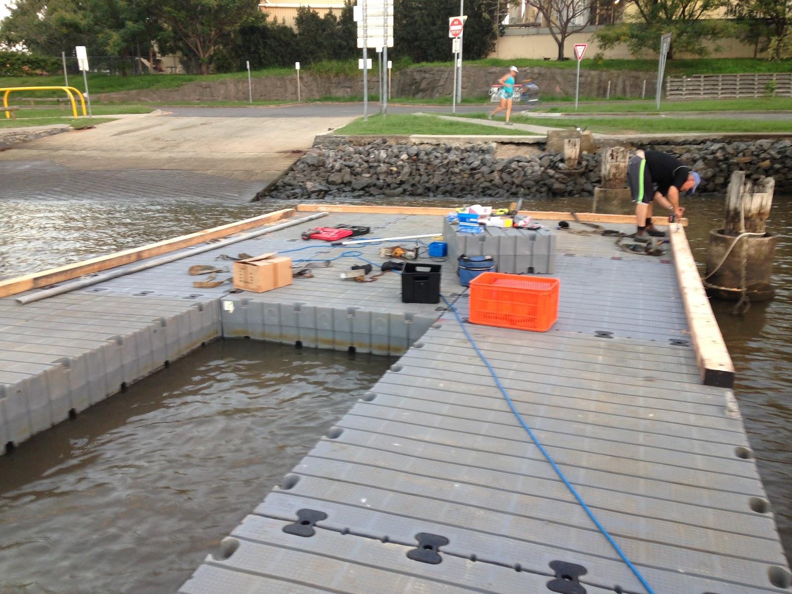 modular dumb barge, work platform, road trasnportable platform, floats, modular floats, floating platform hire, work platform hire, floating work platform hire
