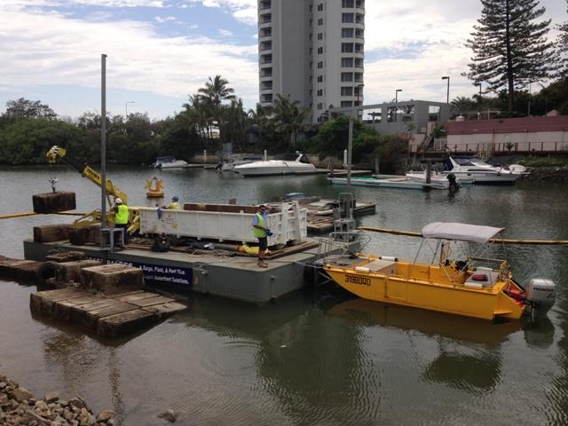 dumb barge, modular, road trasnportable dum barge work platform, platform hire, bridge maintenance, floating platform, floating platform hire