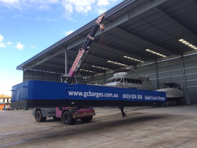 truckable dumb barge hire