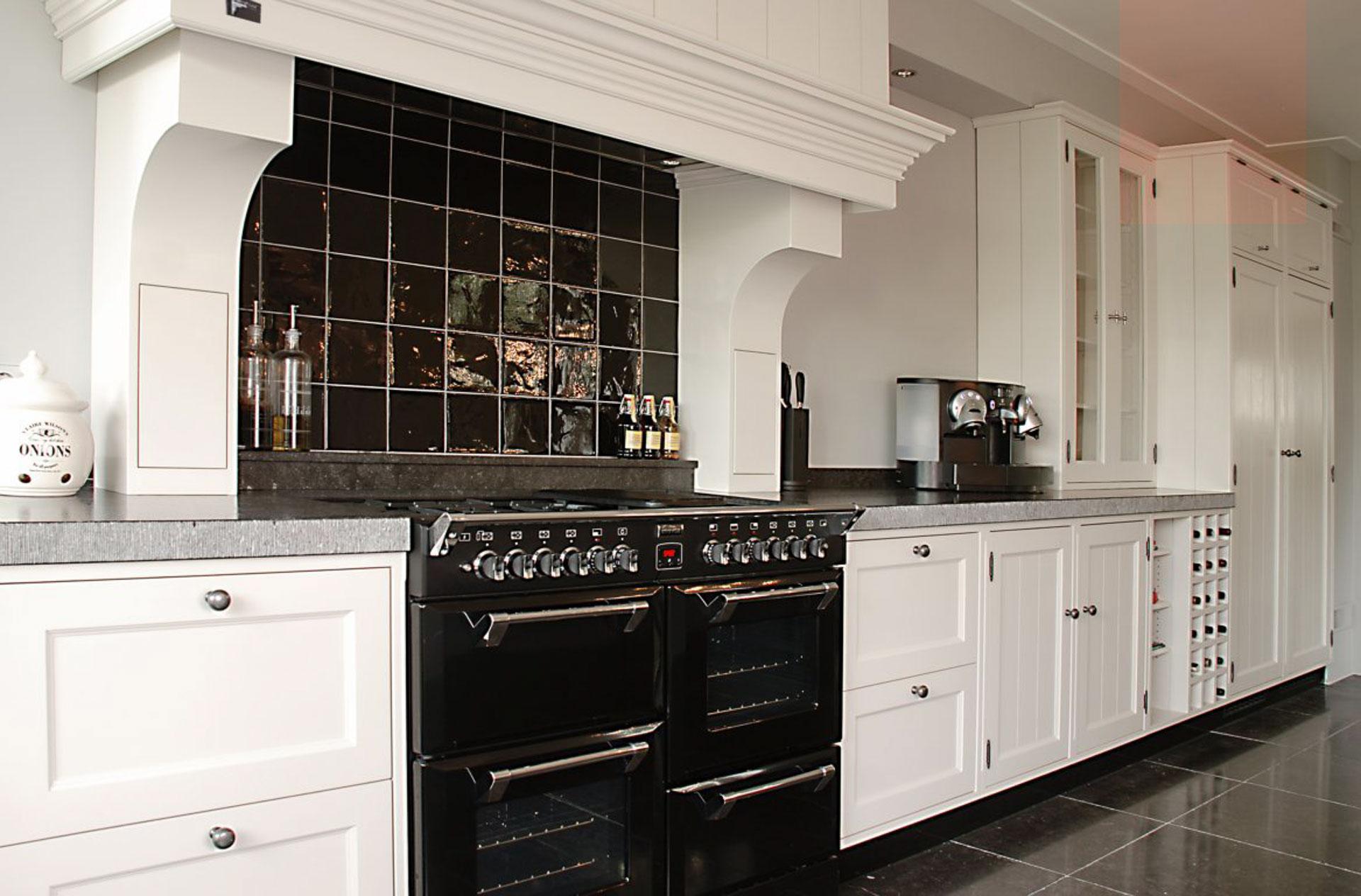 Modern landelijke keuken met AGA inductiefornuis