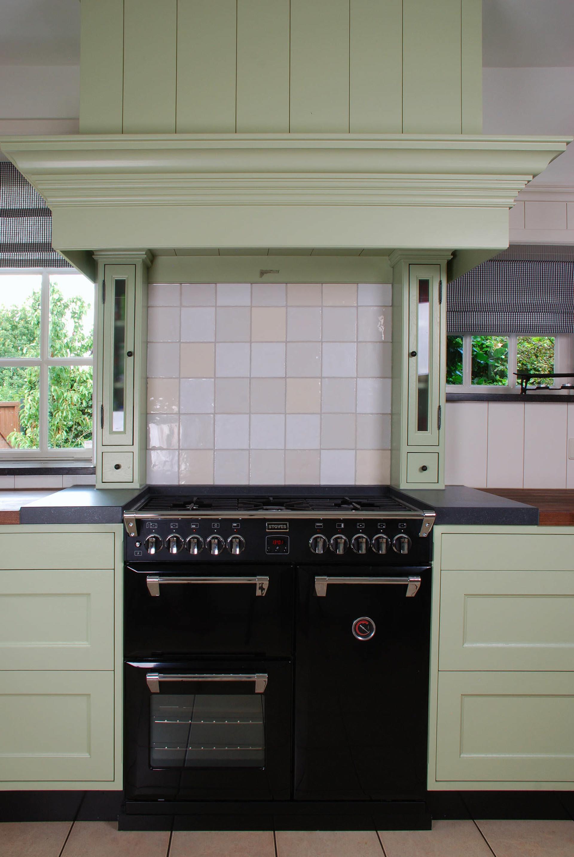 Farrow & Ball groene houten keuken landelijk karakter landelijke houten keuken