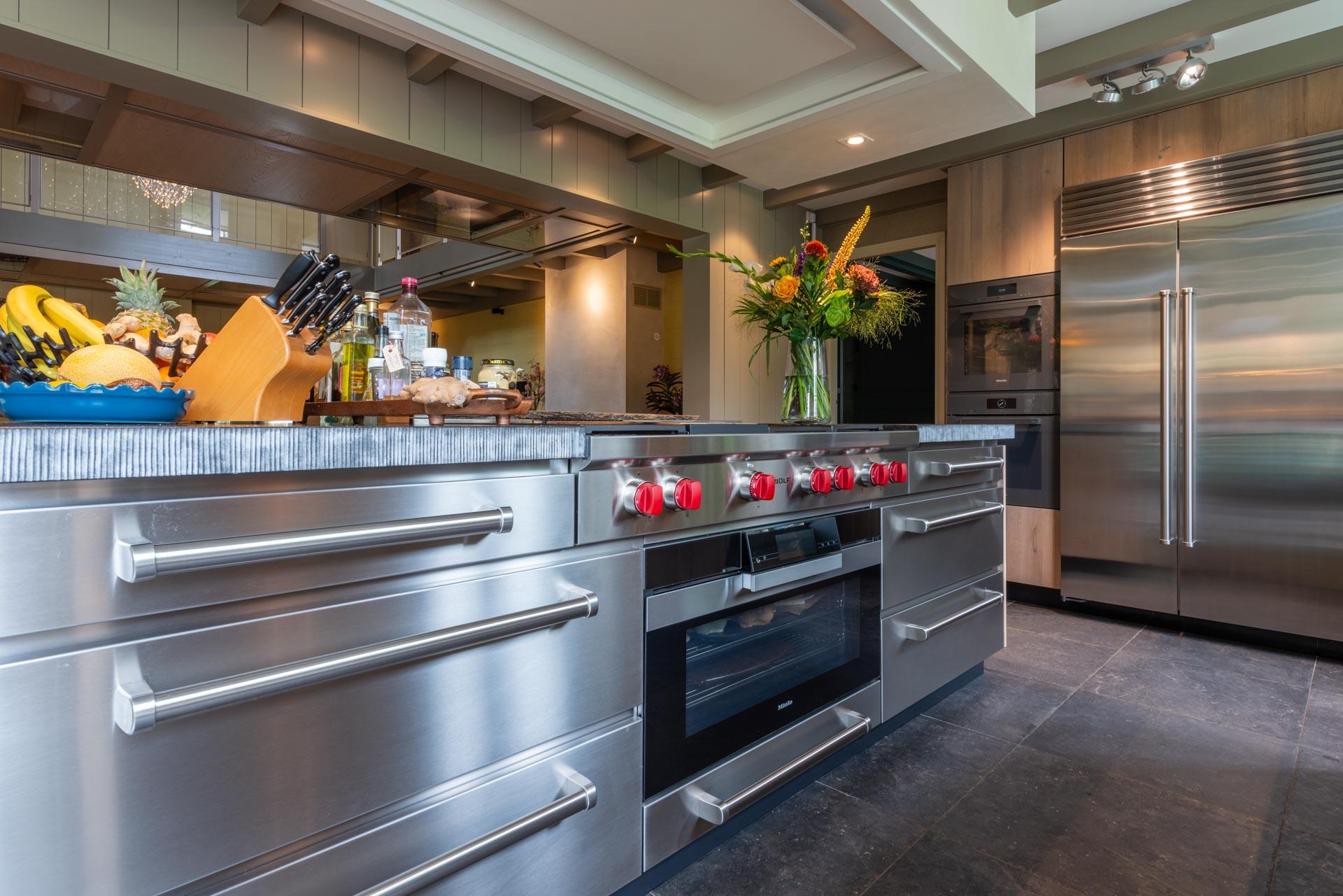 Luxe en landelijke keuken met apparatuur van Subzero-Wolf