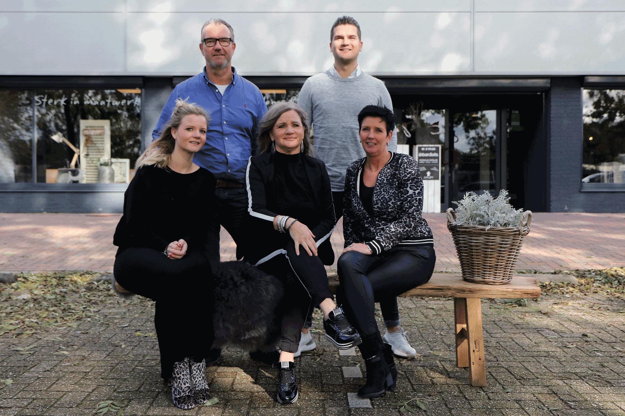 Team van Verschoor wonen. Met Astrid, Jolanda, Johan, Jeanette en Klaas.