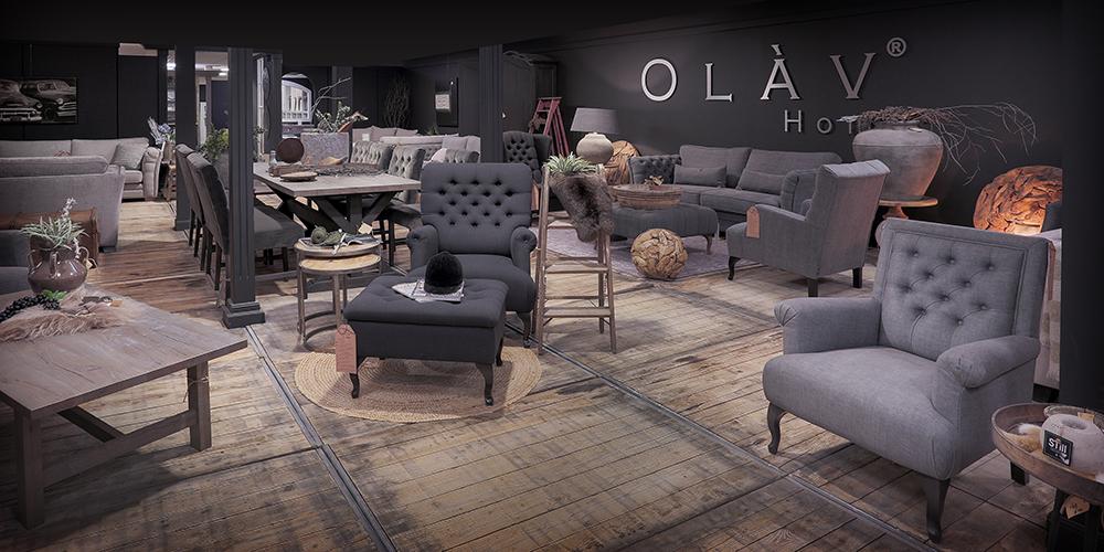 Landelijke showroom van Verschoor wonen op de woonboulevard in Sliedrecht. Landelijke stoelen, banken en tafels.