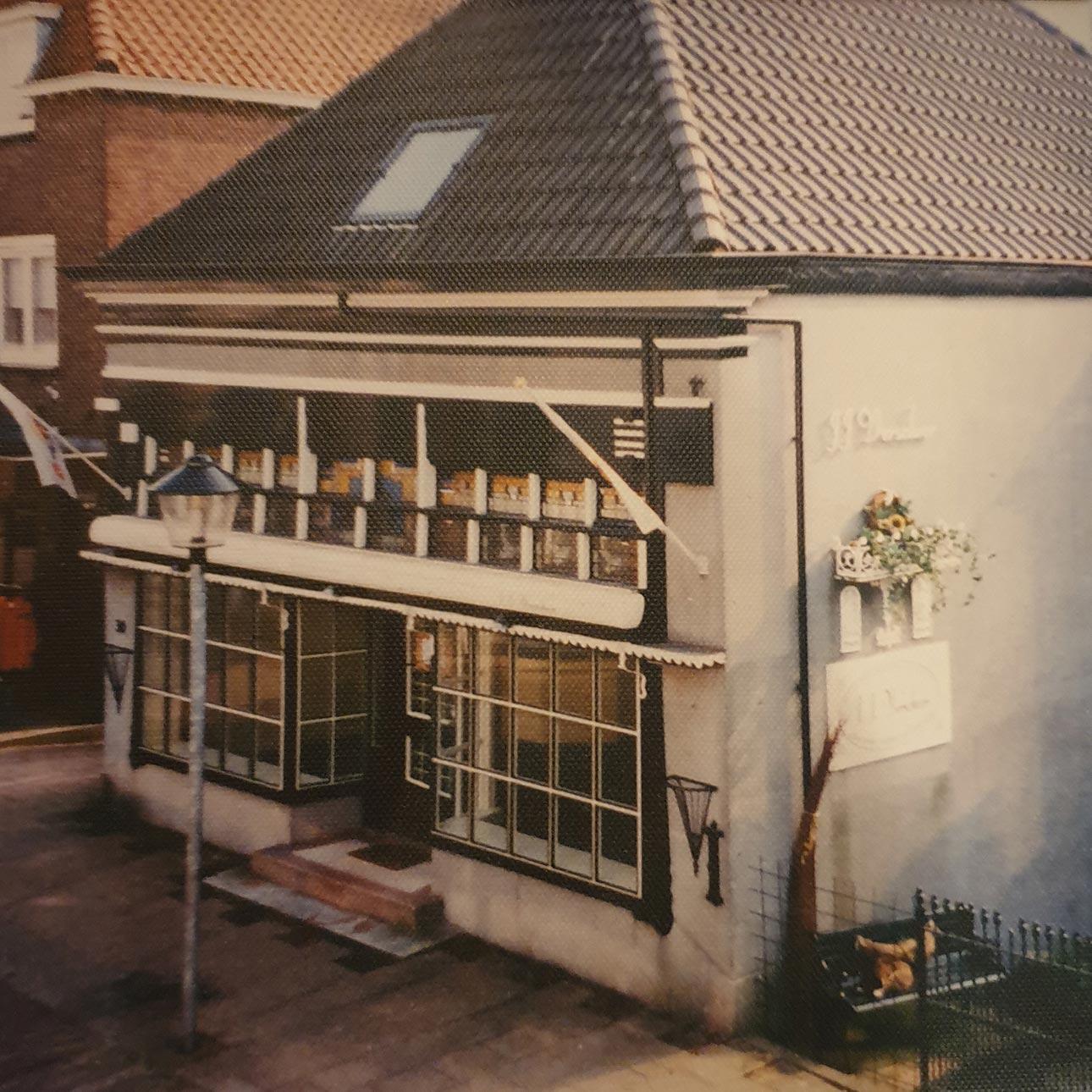 Oude showroom van Verschoor wonen, voor de woonboulevard in Sliedrecht.