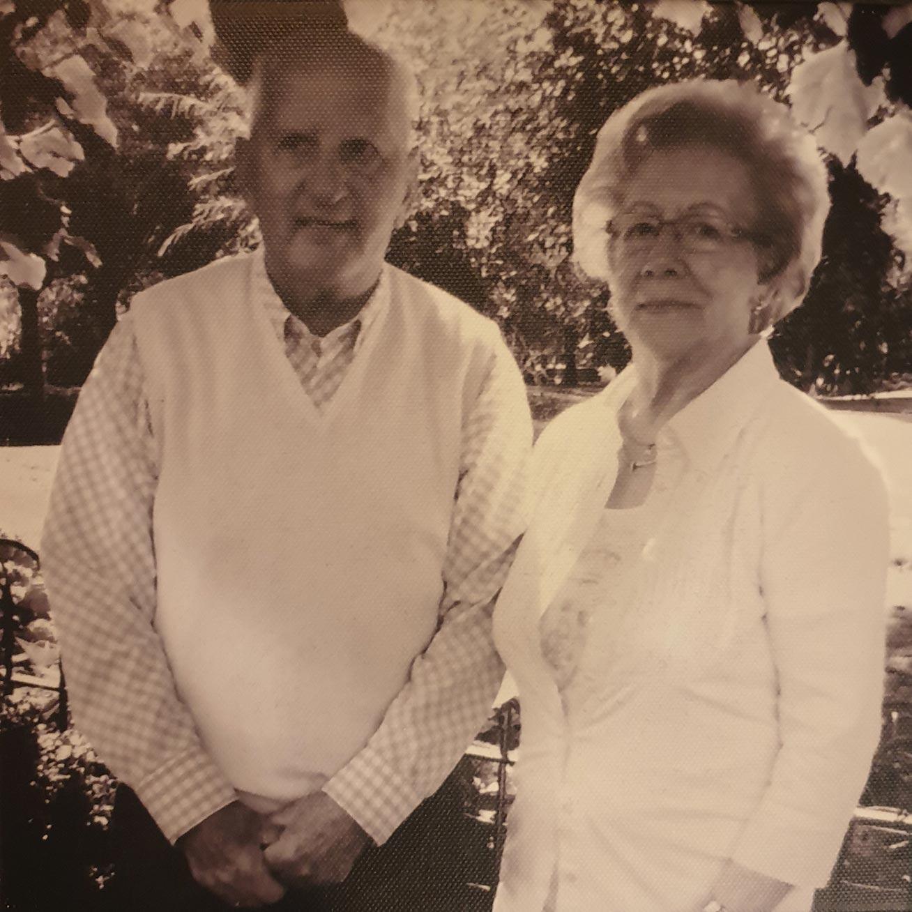 Dhr. J.J. Verschoor, grondlegger van het bedrijf. Samen met zijn vrouw Jeanne heeft hij lief en leed in de zaak gestopt om deze tot een succes te maken.