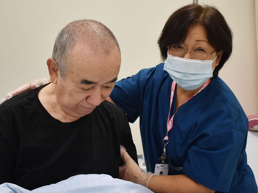 ハワイ ヘルスケア スクール (ホノルル)介護