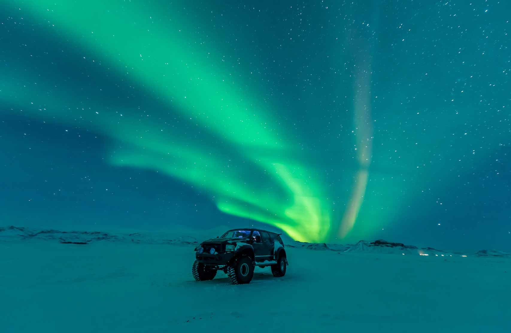 Northern Lights by Super Truck 4x4