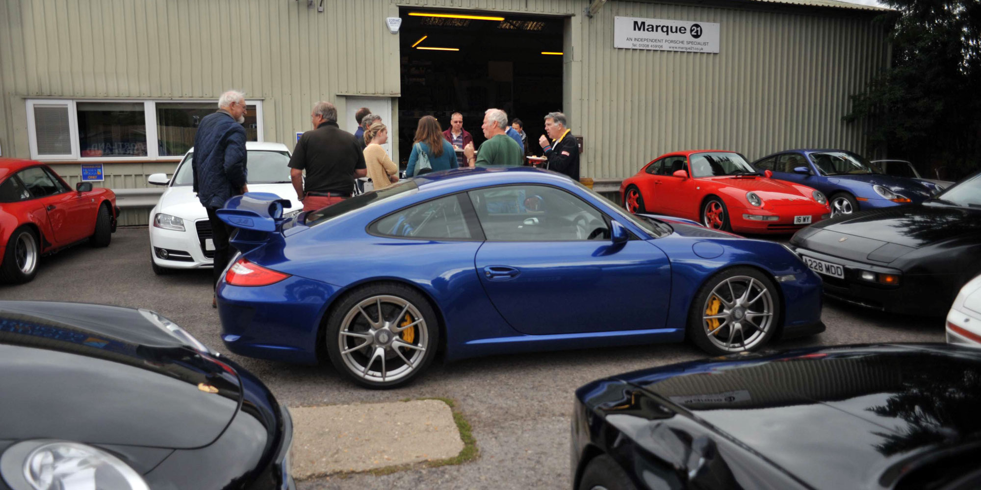 Porsche Club meet at Marque 21