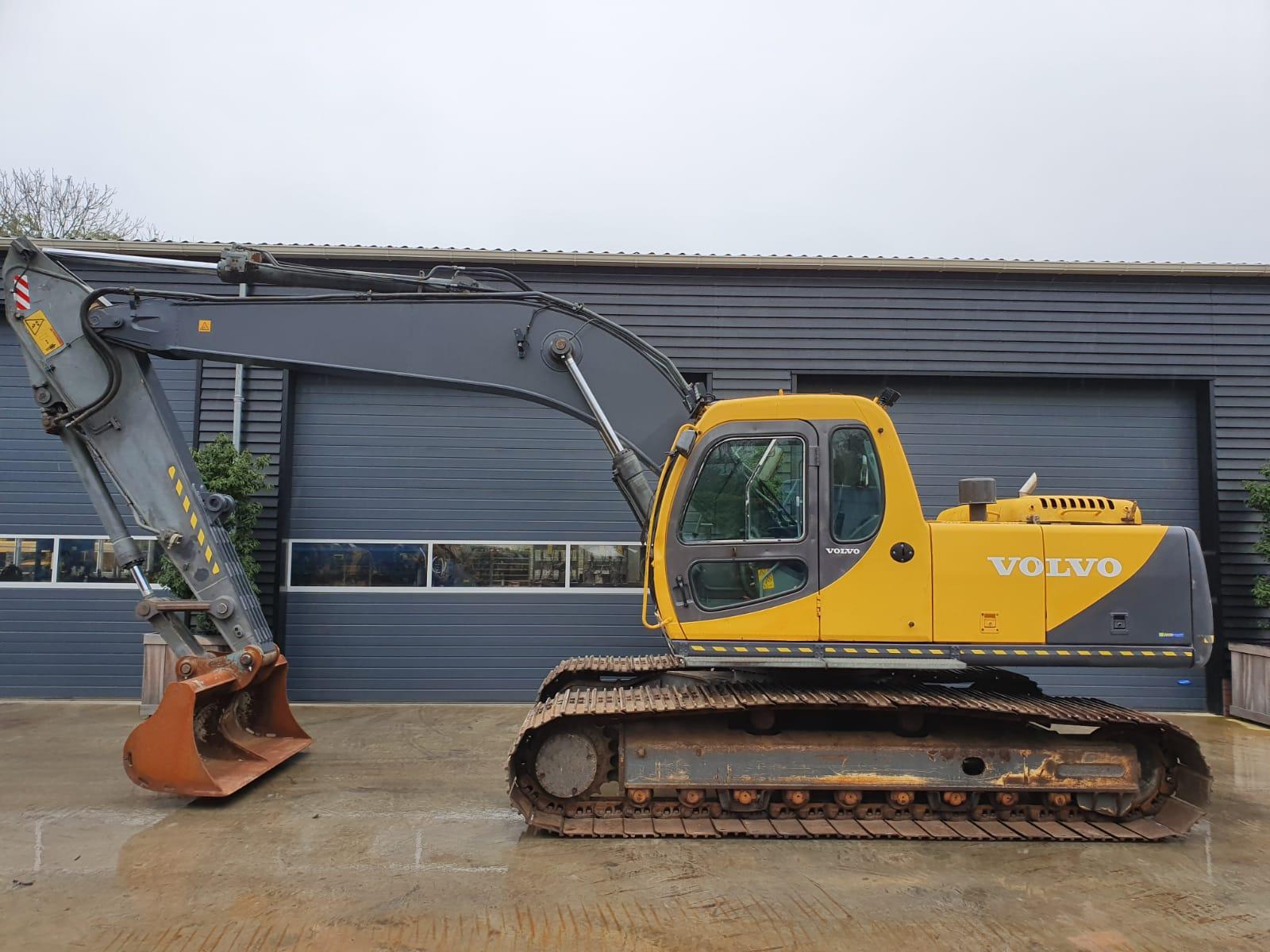 Volvo EC210LC track excavator