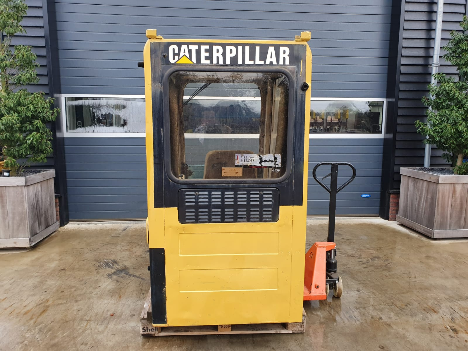 Caterpillar Cabin