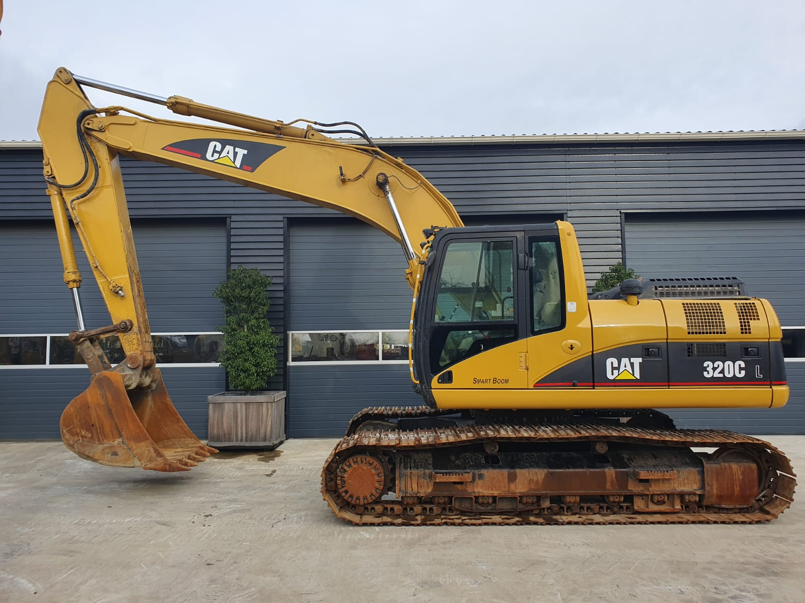 Caterpillar 320CL Track excavator