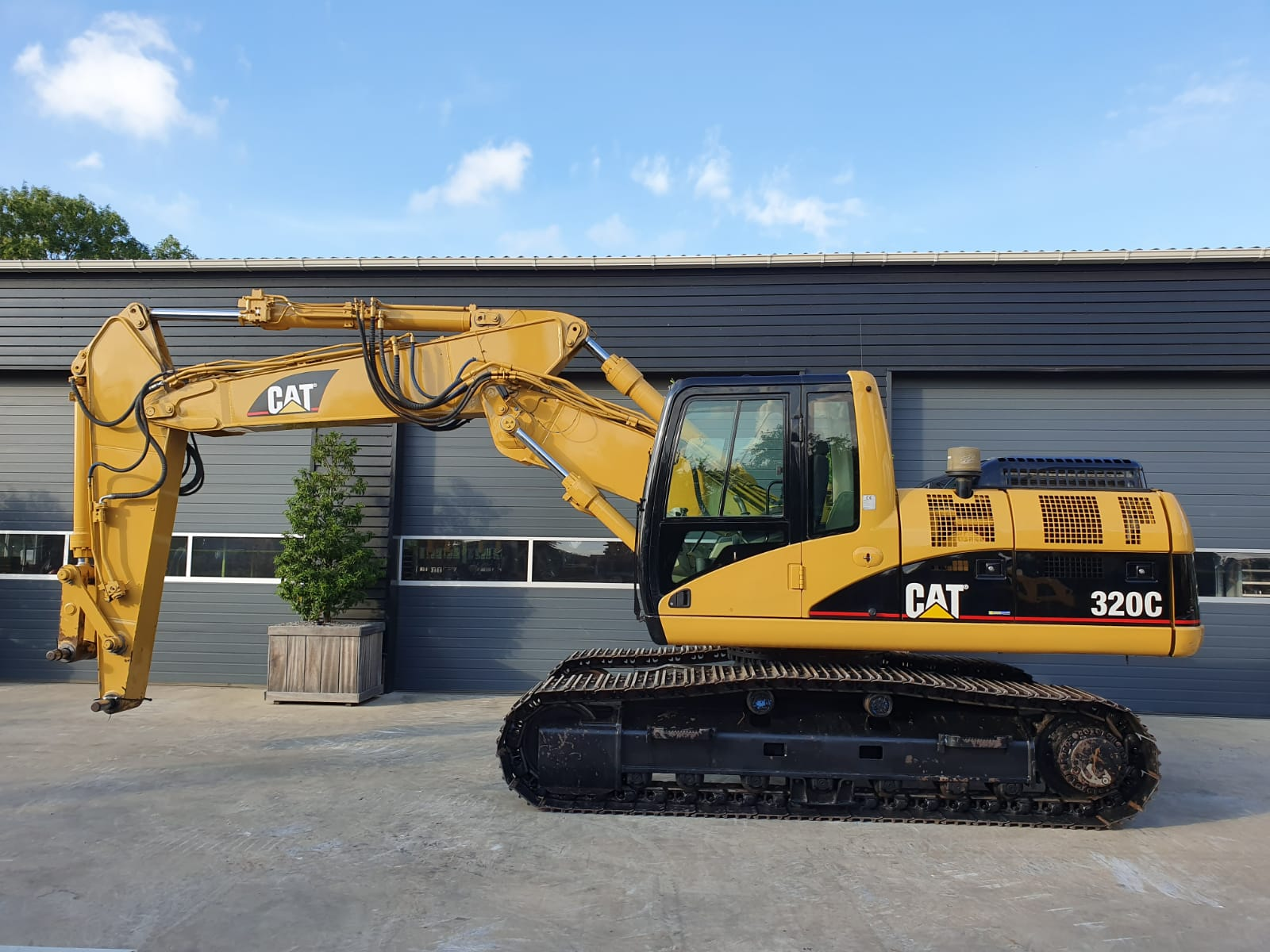 Caterpillar 320CS Track excavator