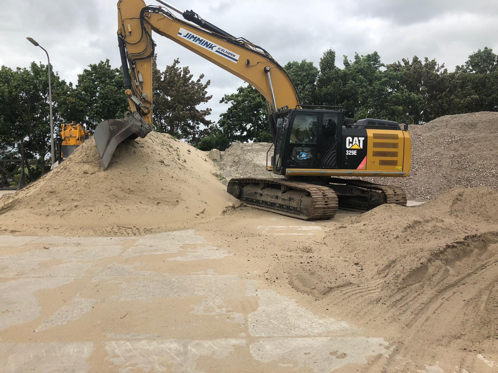 Caterpillar 329EL Track excavator