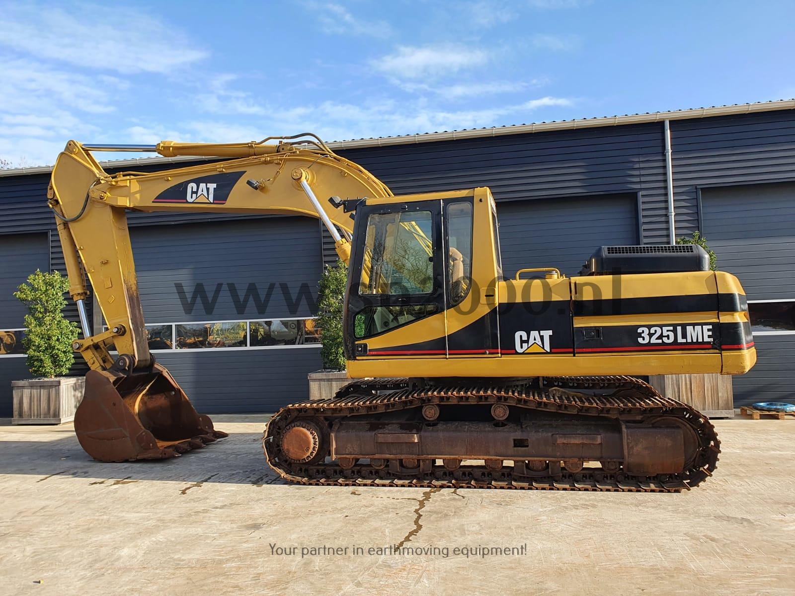 Caterpillar 325L Track excavator