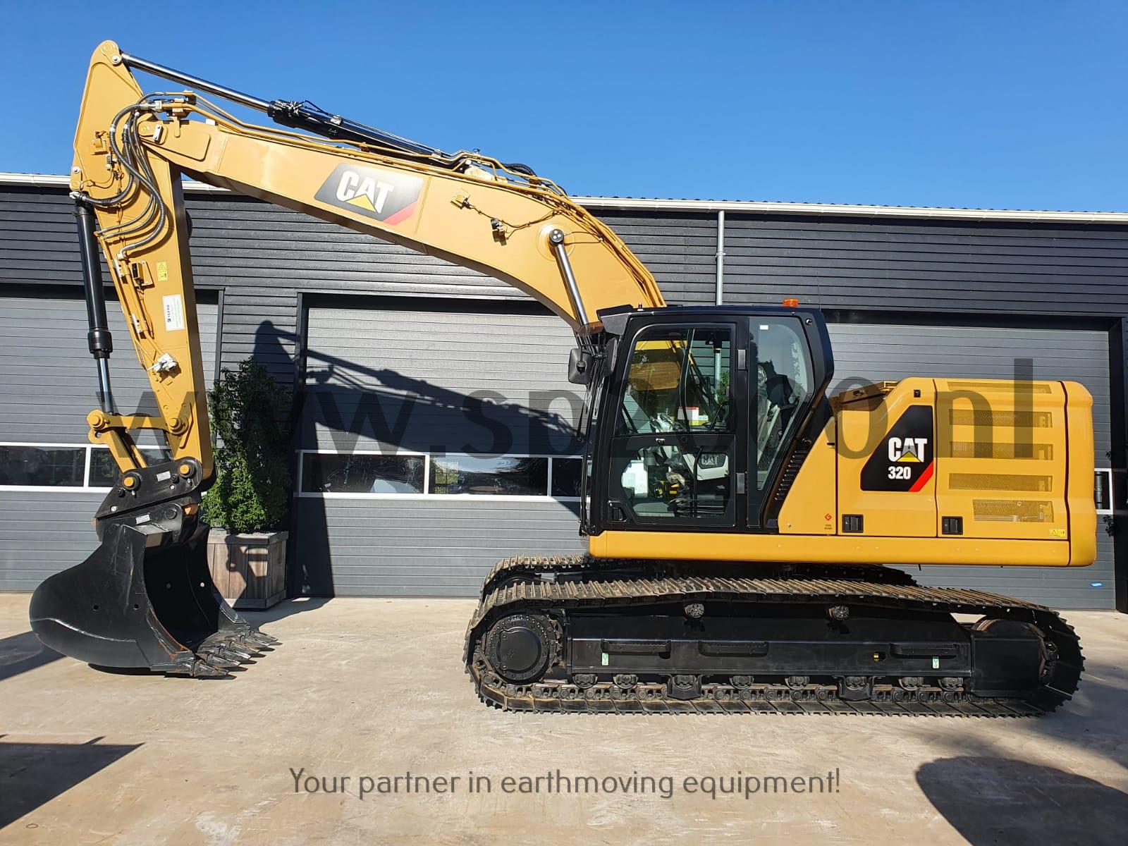 Caterpillar 320 Track excavator
