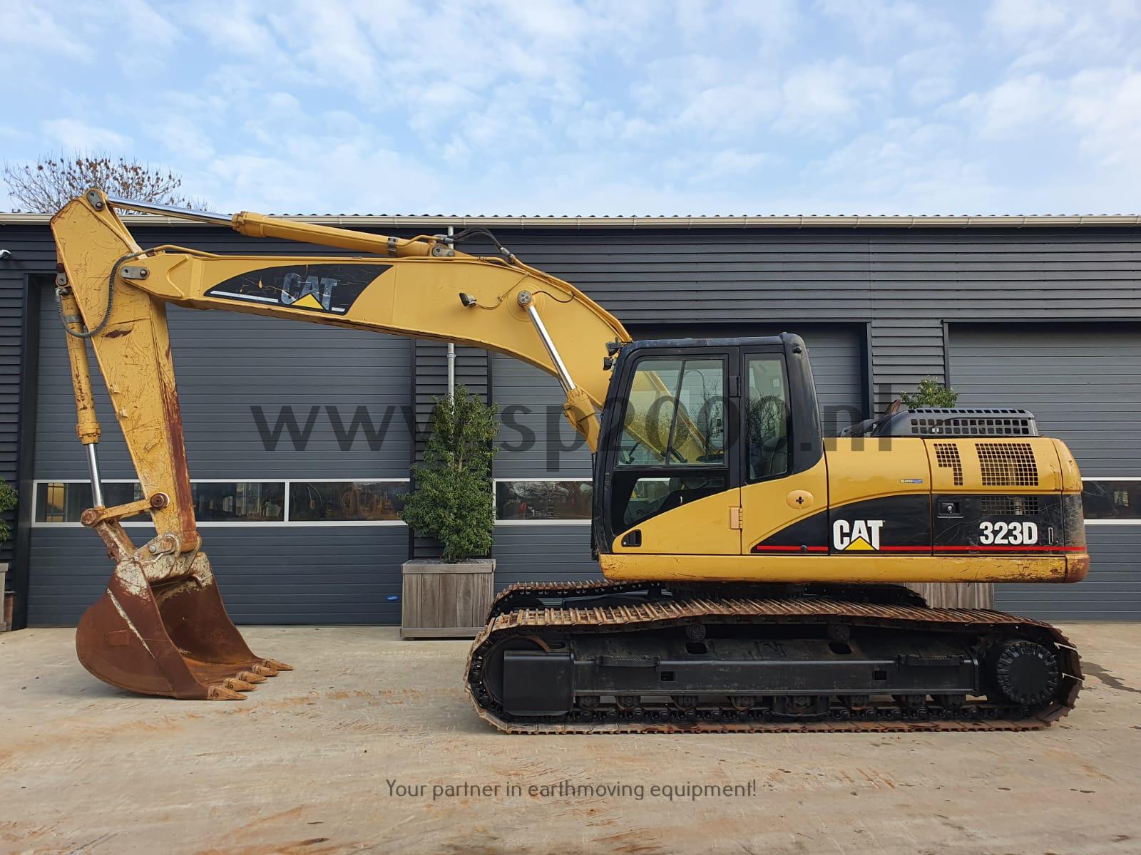 Caterpillar 323D Track excavator