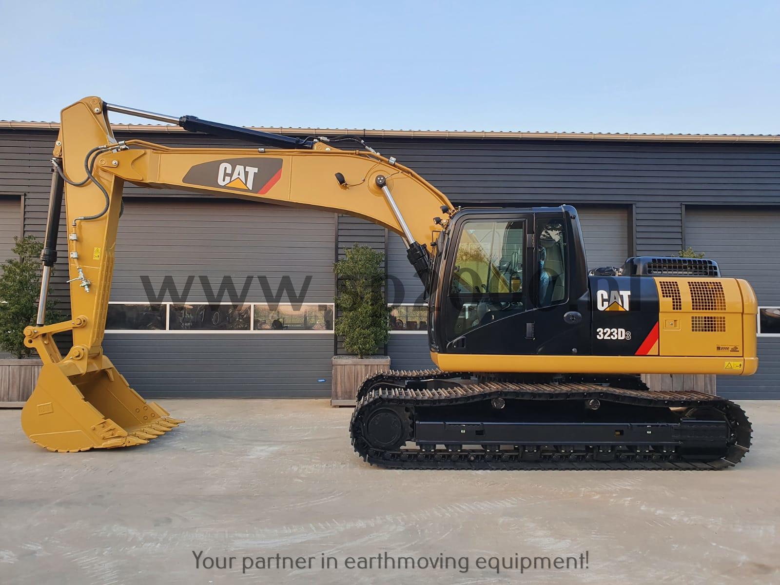 Caterpillar 323D3 Track excavator
