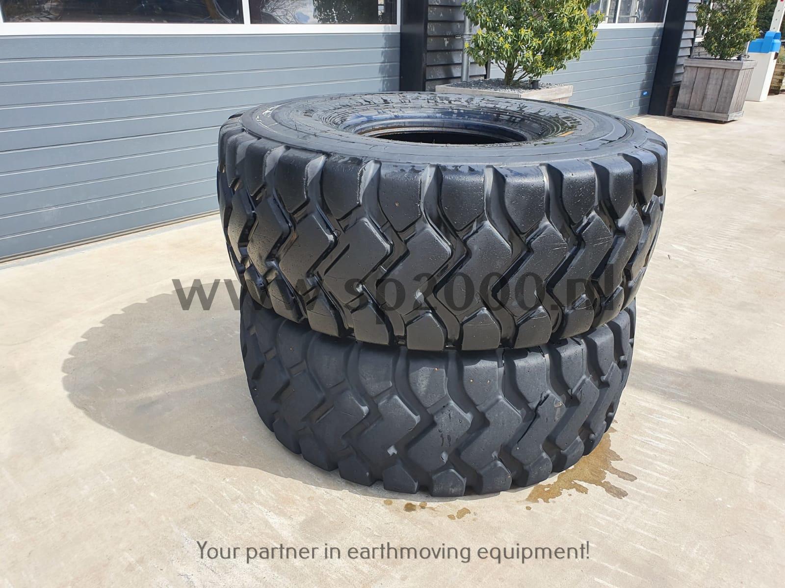 Tires 23.5 X 25